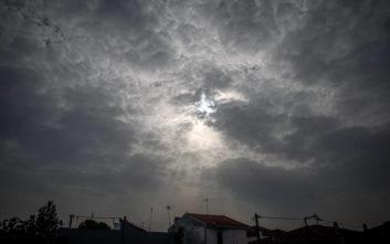 Καιρός: Συννεφιά και αυξημένες συγκεντρώσεις σκόνης όλη την εβδομάδα