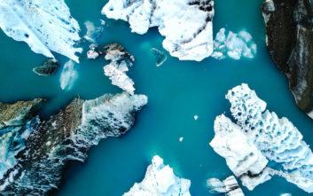 Μια λίμνη με παγετώνες στην Ισλανδία