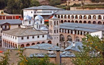 Πάσχα στην ιερά μονή της Παναγίας Εικοσιφοίνισσας