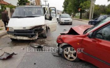 Σοβαρό τροχαίο με τραυματία στα Καλύβια Λαμίας