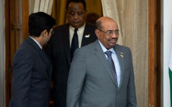 Το Σουδάν στέλνει στο Διεθνές Ποινικό Δικαστήριο τον πρώην πρόεδρο της χώρας