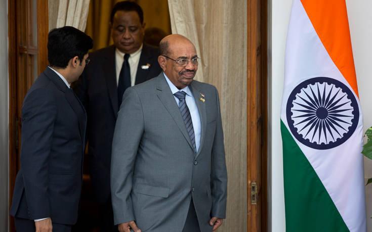 Ο ανατραπείς πρόεδρος του Σουδάν ερευνάται για ξέπλυμα χρήματος