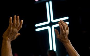 Ιερέας καταδικάστηκε για τον βιασμό του 12χρονου γιου ετοιμοθάνατου φίλου του