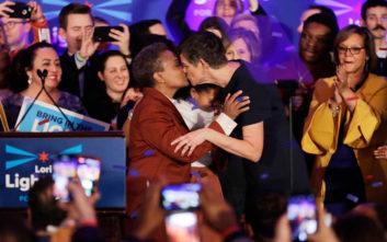 H πρώτη αφροαμερικανή ομοφυλόφιλη δήμαρχος στο Σικάγο