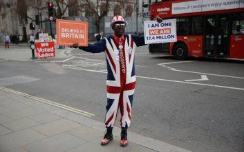 Μπαρνιέ: Νέο στοιχείο οι συνομιλίες Μέι- Εργατικών για το Brexit