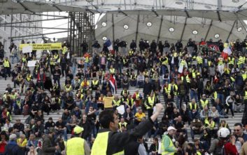 Υποτονική η κινητοποίηση των «κίτρινων γιλέκων» στο Παρίσι