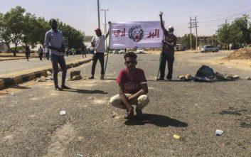 Υπό κράτηση ο πρόεδρος του Σουδάν, στρατιωτικό συμβούλιο θα κυβερνά τη χώρα