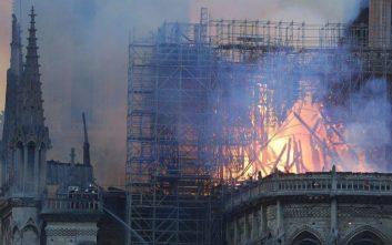 Παναγία των Παρισίων: Η οδύνη για την καταστροφή μέσα από την πένα των σκιτσογράφων