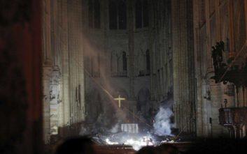 Παναγία των Παρισίων: Το πρώτο βίντεο από το εσωτερικό του ναού