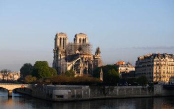 Παναγία των Παρισίων: Οι πρώτες διαμάχες μετά την καταστροφική πυρκαγιά