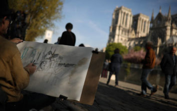 Παναγία των Παρισίων: Η κίνηση ζάπλουτου Γάλλου μετά την προσφορά για την ανοικοδόμηση του ναού