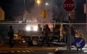 Δημοσιογράφος η νεκρή από σφαίρες στη διάρκεια ταραχών στη Βόρεια Ιρλανδία