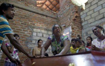 Μακελειό στη Σρι Λάνκα: Κηδεύονται τα θύματα της τραγωδίας