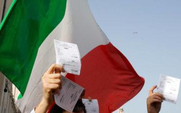 Υποψήφιος στις ευρωεκλογές με ακροδεξιό κόμμα και τρίτος απόγονος του Μουσολίνι