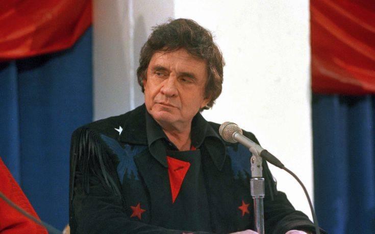 Η γενέτειρα του Τζόνι Κας τον τιμά με ανδριάντα στο Καπιτώλιο