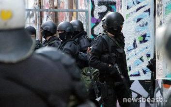 Τρεις συλλήψεις σε σπίτι στα Εξάρχεια για ναρκωτικά