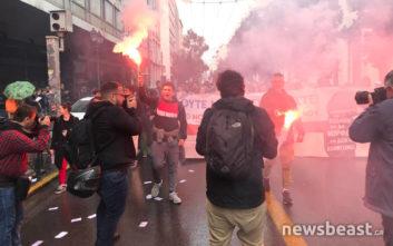 Μαθητές και εκπαιδευτικοί διαδηλώνουν στο κέντρο της Αθήνας