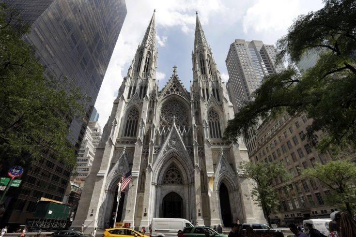 Άνδρας συνελήφθη σε ναό της Νέας Υόρκης με δύο μπιτόνια βενζίνης