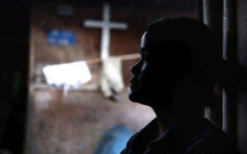 Δύο χρόνια φυλακή για «fake» ρεπορτάζ για trafficking έφηβων κοριτσιών