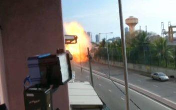 Μακελειό στη Σρι Λάνκα: Βαν εκρήγνυται την ώρα που το ερευνούν πυροτεχνουργοί