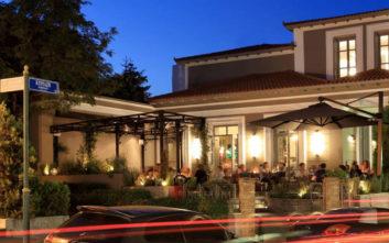 Τέσσερα δημοφιλή μπαρ που στεγάζονται σε όμορφα νεοκλασικά και αρχοντικά