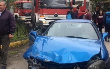 Αυτοκίνητο παρέσυρε μαθήτριες στο Αγρίνιο, η μία εκτοξεύθηκε σε ρέμα