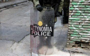 «Αστυνομία, ακίνητοι» φώναξαν οι ένοπλοι στα Εξάρχεια στους άντρες του Λιμενικού