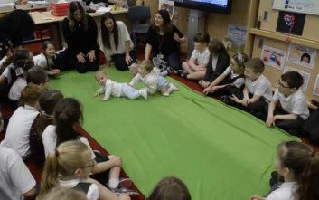 Μωρά επισκέφθηκαν δημοτικό σχολείο ως οι… νεότεροι δάσκαλοι του κόσμου