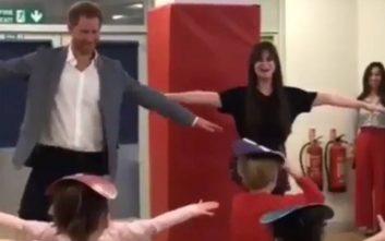 Ο πρίγκιπας Χάρι κάνει μαθήματα μπαλέτου