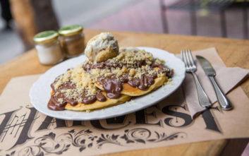 Πού θα δοκιμάσετε τέλεια και λαχταριστά pancakes