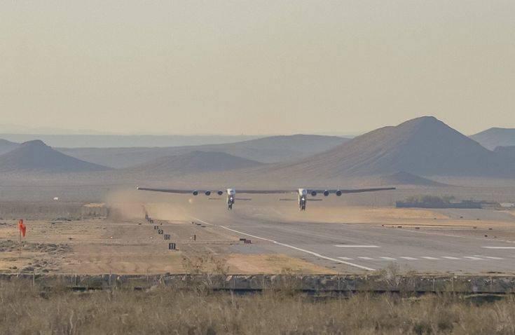 Το μεγαλύτερο αεροπλάνο στον κόσμο έκανε την πρώτη του πτήση