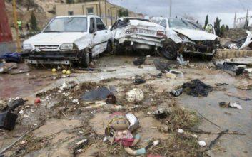 Εκκενώνονται πόλεις και χωριά στο Ιράν που απειλούνται από πλημμύρες