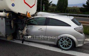 Σφοδρή σύγκρουση αυτοκινήτου με βυτιοφόρο στην Αθηνών - Λαμίας
