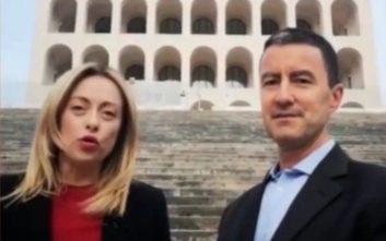 Πυρ και μανία με το Facebook ο δισέγγονος του Μουσολίνι που κατεβαίνει στις εκλογές