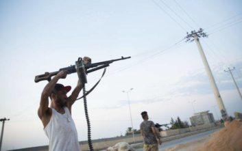 Πάνω από 20 νεκροί μετά την επίθεση του στρατάρχη Χάφταρ στην Τρίπολη της Λιβύης