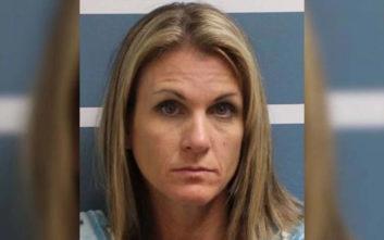 Μητέρα έκανε σεξ με δύο ανήλικα αγόρια που έκλεψε από τις κόρες της