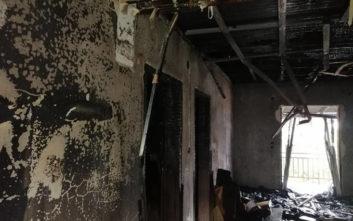 Κεραυνός προκάλεσε φωτιά στο σπίτι του την ώρα που κοιμόταν