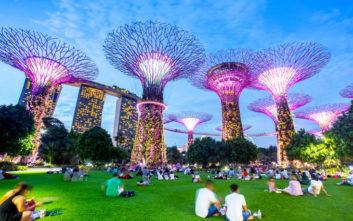 Ένας φουτουριστικός κήπος στην καρδιά της Σιγκαπούρης
