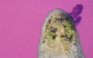 Η λίμνη στην Αυστραλία που έγινε ροζ