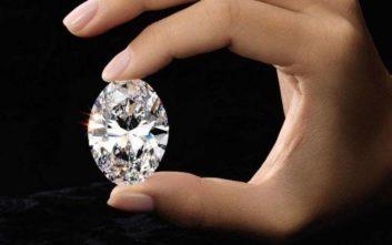Πατέρας πλήρωσε 12,2 εκατ. ευρώ για διαμάντι και του έδωσε το όνομα της κόρης του