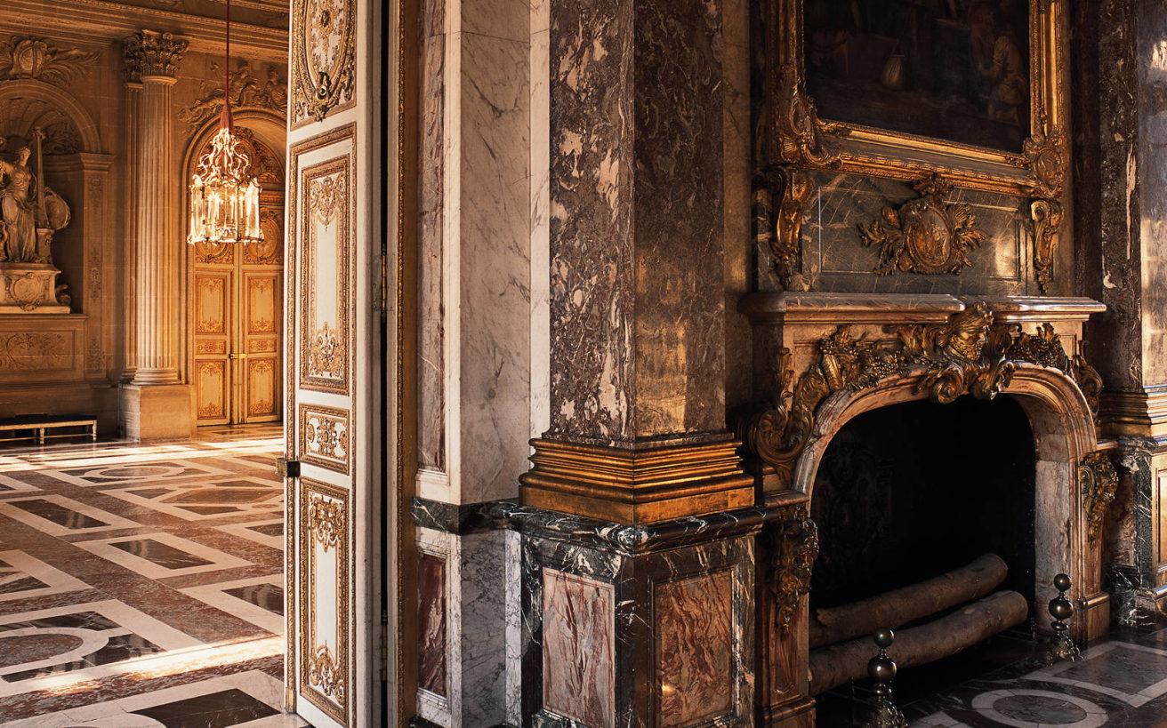 Τα σκοτεινά μυστικά του πιο εμβληματικού παλατιού στον κόσμο