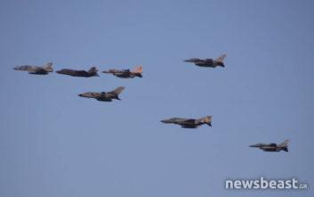 Μαχητικά αεροσκάφη πέταξαν πάνω από την Αθήνα