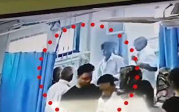 Σοκαριστικό βίντεο από την Ινδία με κεφάλι γυναίκας να «σκάει» κατά τη διάρκεια επέμβασης