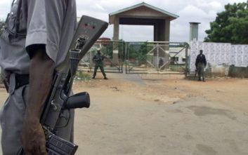 Τζιχαντιστές εκτέλεσαν 11 εργάτες που εγκαθιστούσαν καλώδια οπτικών ινών
