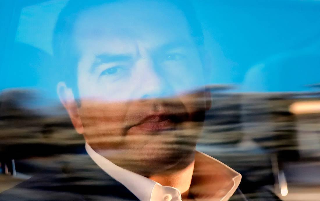 «Οι δημοσκοπήσεις προβλέπουν κυβερνητική αλλαγή στην Ελλάδα»