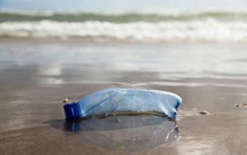 Λύση για την πλαστική ρύπανση τα παγουράκια και οι επιστρεφόμενες φιάλες