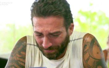Survivor 3: Τα δάκρυα του Πελεκάνου μόλις άκουσε τη φωνή του γιου του