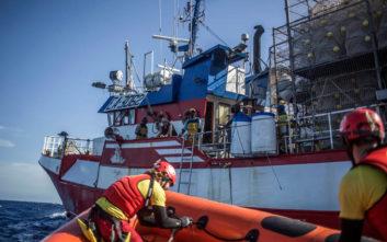 Τραγωδία με τουλάχιστον 70 μετανάστες να πνίγονται στα ανοικτά της Τυνησίας