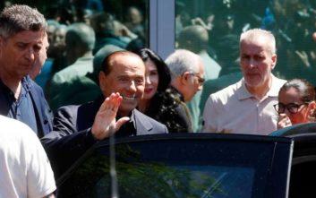 Ο Μπερλουσκόνι πήρε εξιτήριο και δηλώνει έτοιμος για τις ευρωεκλογές