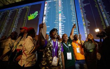 Νότια Αφρική: Το Αφρικανικό Εθνικό Κογκρέσο προηγείται μετά τις εκλογές της Τετάρτης